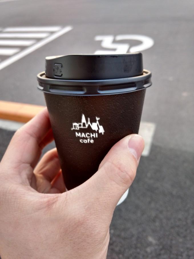 結局、普通のローソンコーヒーを飲みますた。笑 でもローソンコーヒーってエスプレッソベースなんで味が安定してて美味しんですよね。 好きですわー。笑