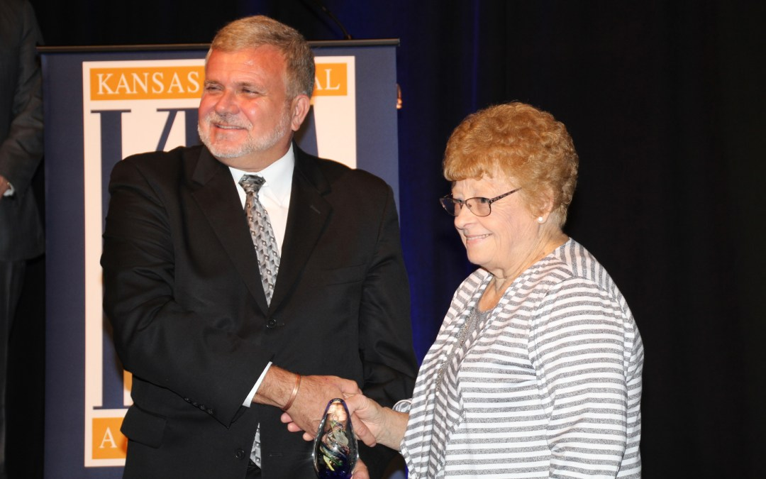 Jolleen Palmer Receives State Award