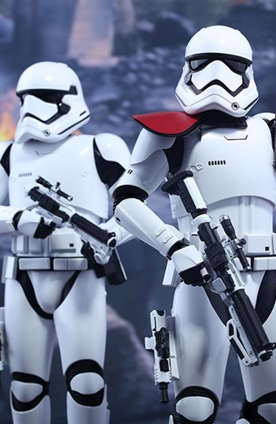 figurine-hot-toys-star-wars-stormtrooper-officier-et-stormtrooper-first-order