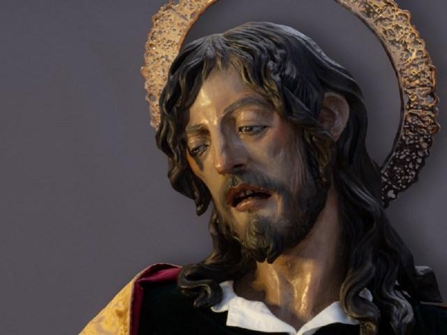 El imaginero cordobés Manuel Martín Boillo presenta su última obra, San Juan Evangelista