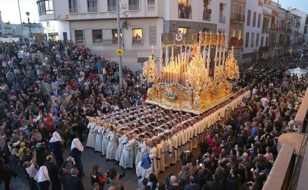 Las cofradías de la Paloma y la Misericordia de Málaga barajan procesiones extraordinarias para el próximo otoño