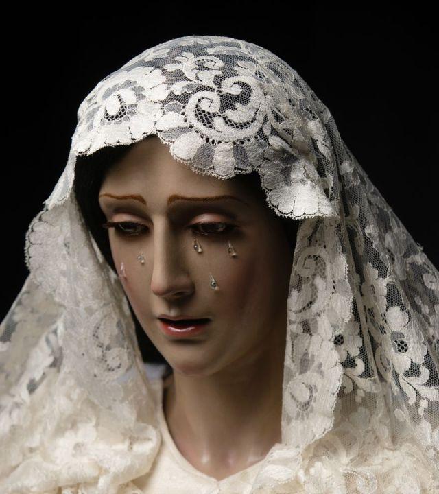 La asociación de fieles de Dos Hermanas de Málaga presenta la restauración de la Virgen de la Encarnación