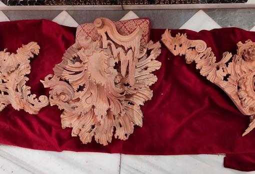 Las primeras piezas talladas del nuevo paso del Nazareno de Santa María de Cádiz