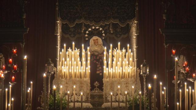 La Virgen de la Hiniesta en su Palio