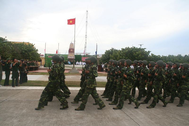 Vietnamese troop smarch on Spratly Island in the South China Sea. Source: Wikimedia user Ha Petit, used under a creative commons license.