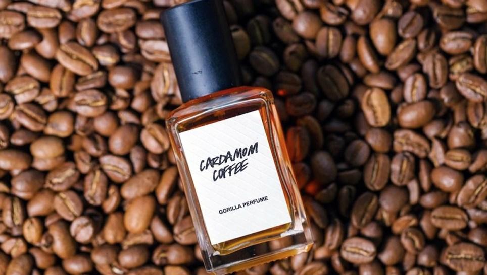 запах кофе и парфюмерия