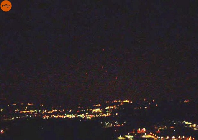 On the evening of January 5, 2009, between 8:15 and 9:00, five lights were seen in the sky of Morris County,
