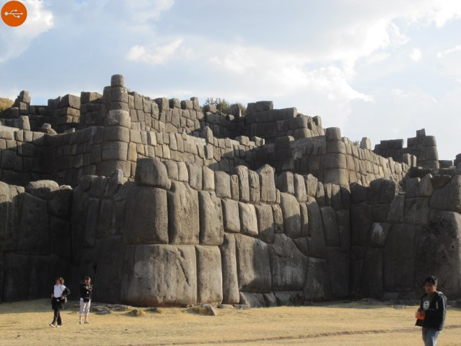 Ancient Peruvian, knew softening the rock The mystery of Sacsayhuaman. Original article by Alessandro Brizzi.