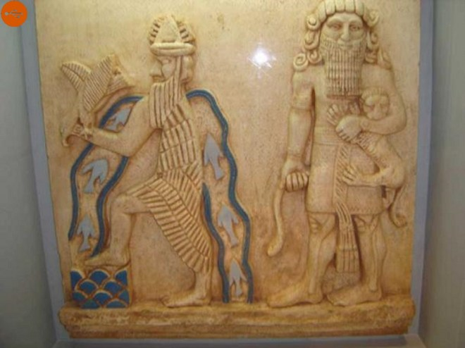 It is often depicted with an ornate crown of the goddess horn dressed in a carp skin