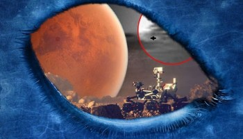 Crazy Rover Curiosity photographs UFOs in the skies of the red planet Original article by Alessandro Brizzi.