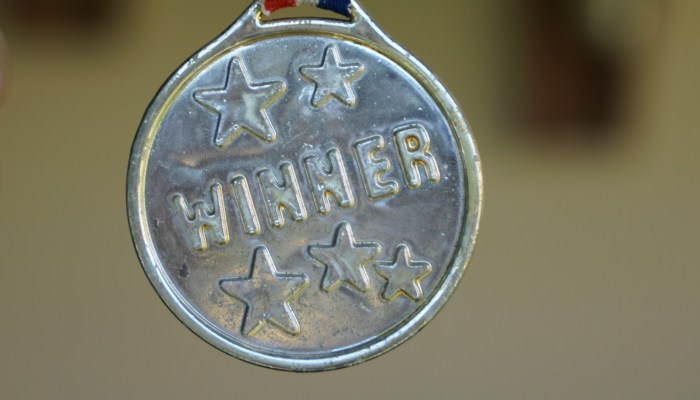 Winner award medal (Photo credit: AxxLC / Pixabay)