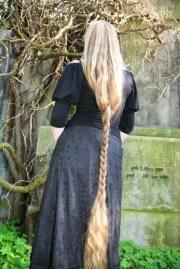 ces femmes ont les longs cheveux