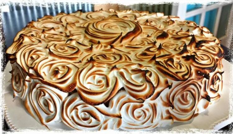 gc3a2teau-au-chocolat-meringuc3a9-et-caramel-au-beurre-salc3a93