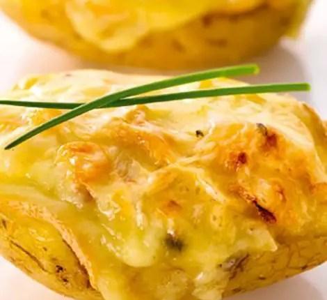 _pommes-de-terre-farcies-au-fromage-lardons