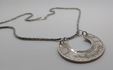 Egypt-silver-pound-coin-neckles-1