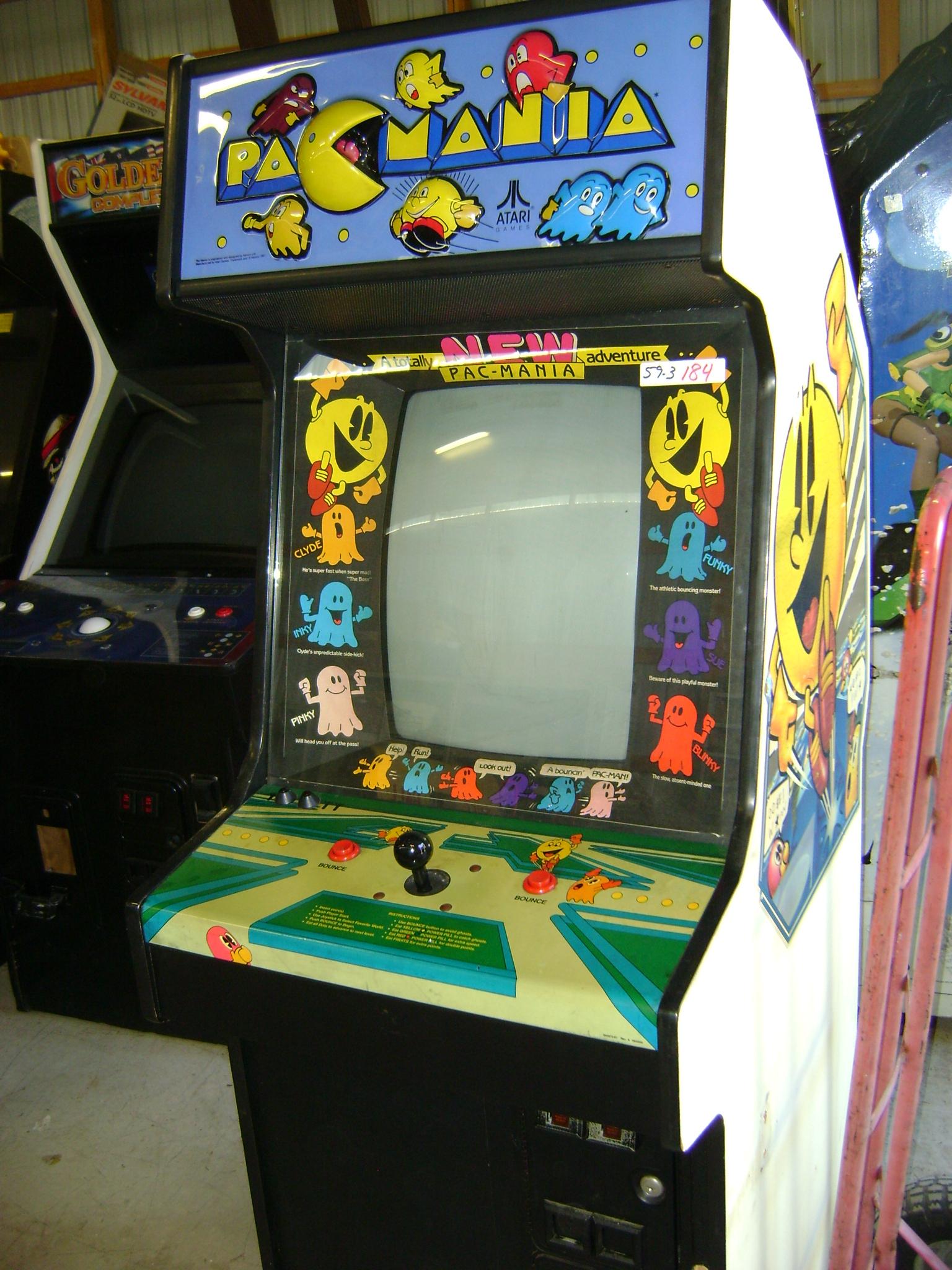 Pacmainia arcade machine