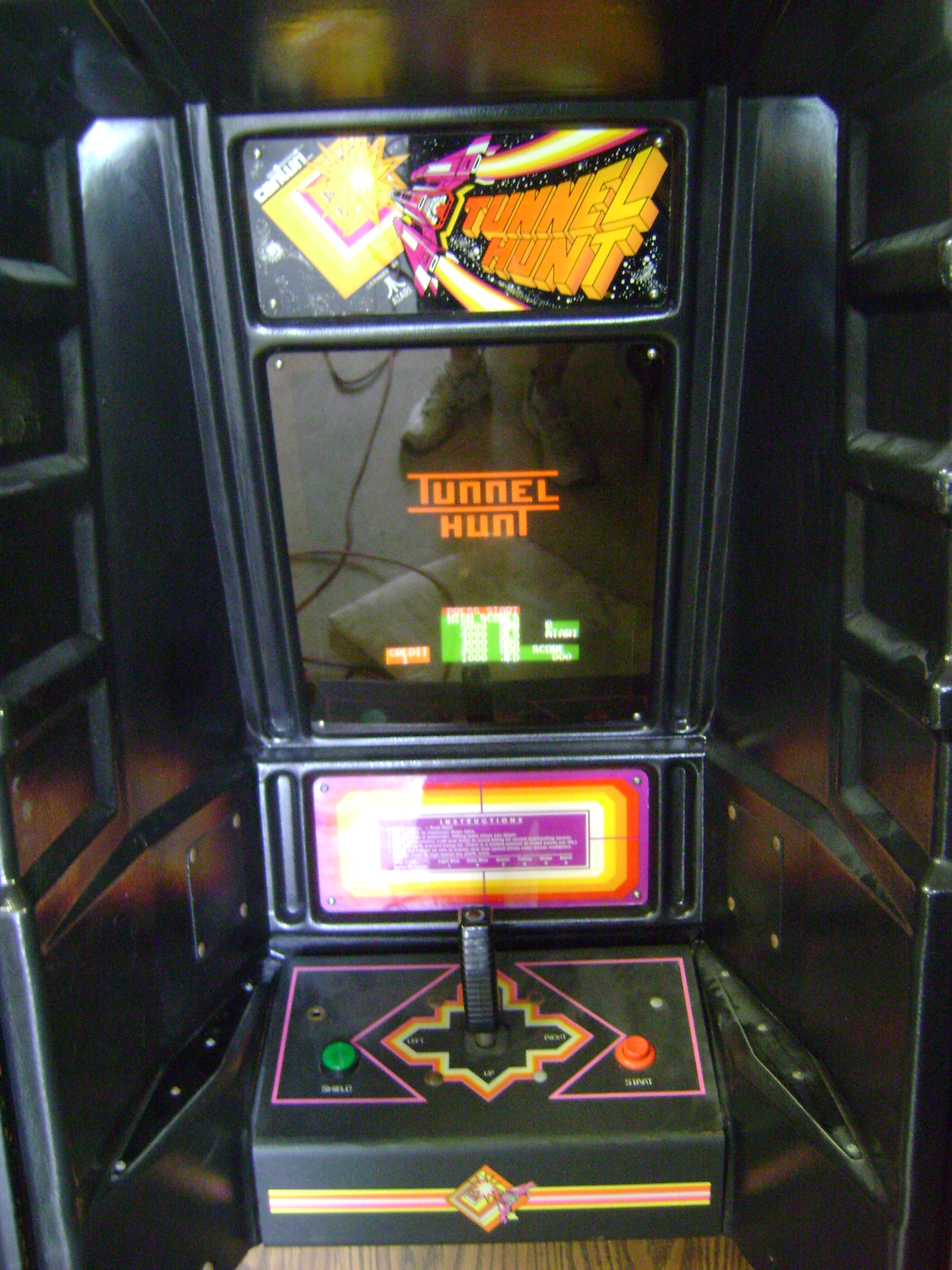 Tunnel Hunt arcade machine