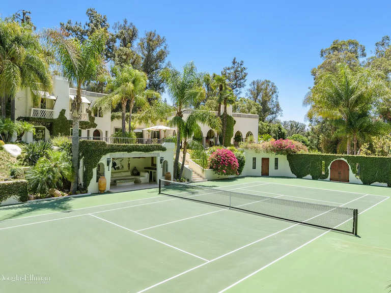 2727 Benedict Canyon Dr, Beverly Hills, CA 90210