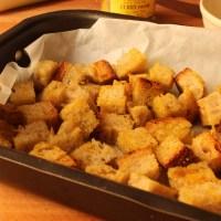 Crostini di pane al curry