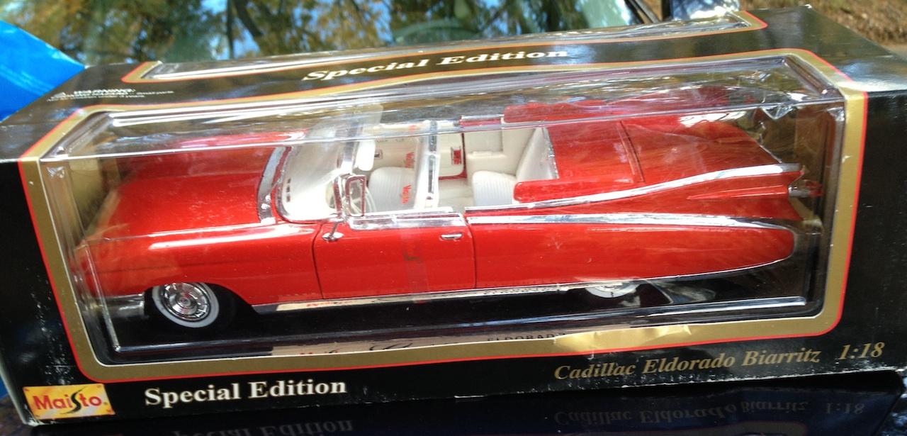 1959 Cadillac Eldorado Biarritz 1:18 Scale Model   Coin Collectors