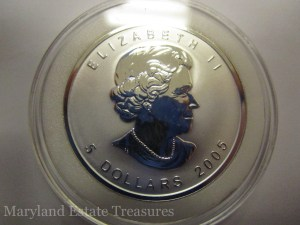 2005 Canada Maple Leaf Silver Bullion with Rooster Privy