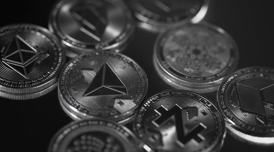 Altcoin Market: ICP rises nearly 30%, DOGE, UNI, and DOT surge