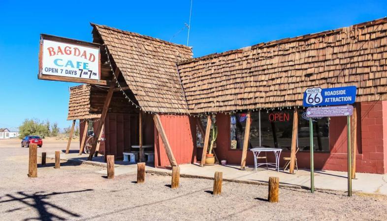 Bagdad Café, em Newberry Springs: cenário de filme homônimo da década de 1980