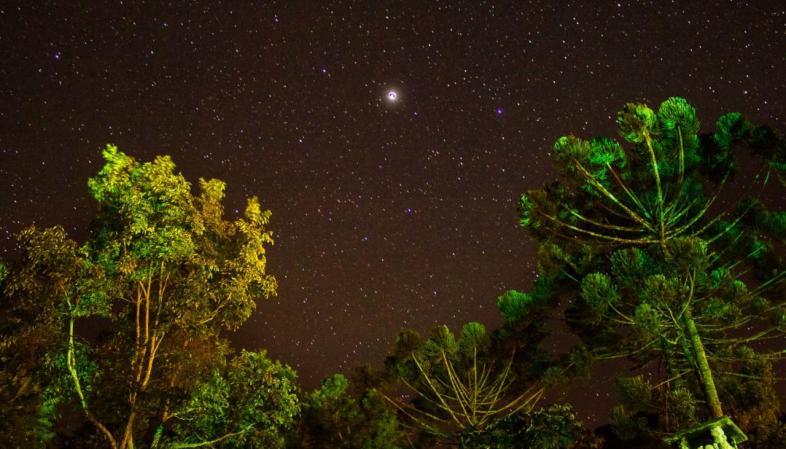 Onde ficar em São Bento do Sapucaí - Pousada Refugio Mantiqueira durante a noite