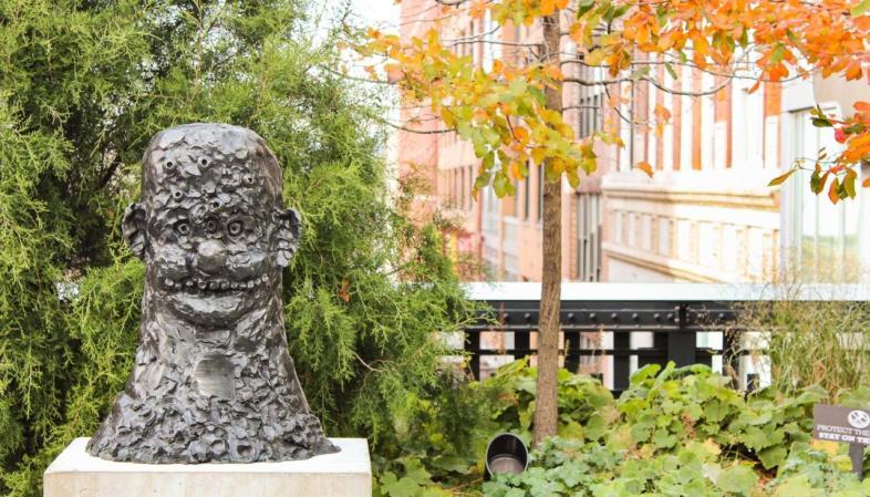 Uma das esculturas espalhadas pelo High Line em Nova York