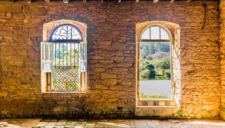 A Floresta Nacional de Ipanema abriga ruínas da fundição São João de Ipanema, berço da metalurgia nacional
