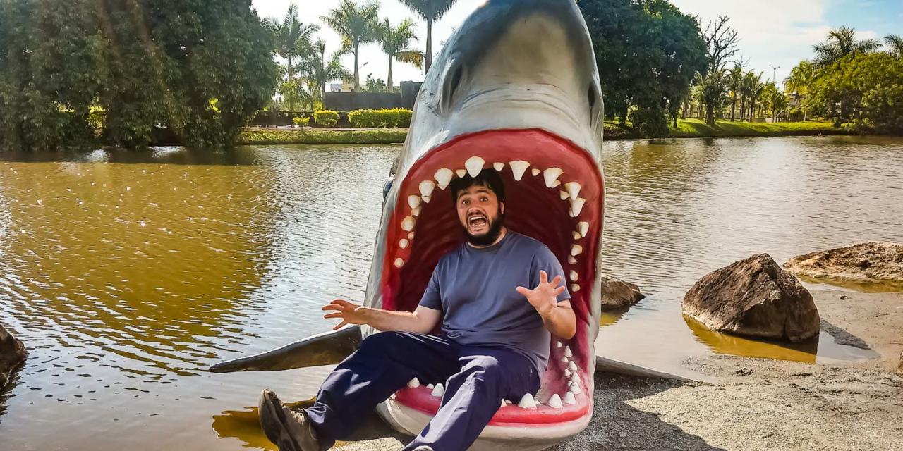 Coiso quase comido por tubarão em santa Catarina