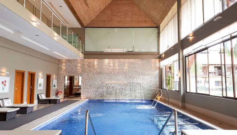 A piscina do spa do SESC Porto Cercado