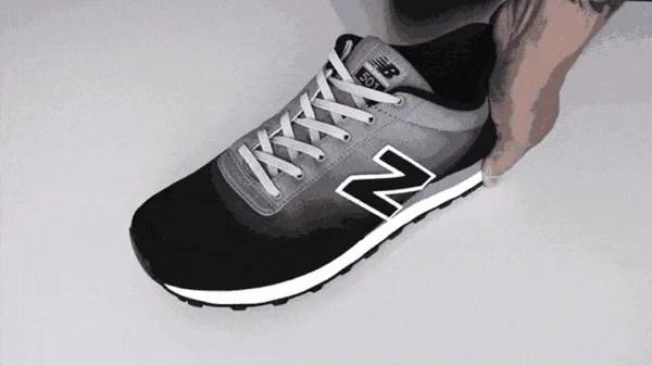 ほどけない靴暇が気になる