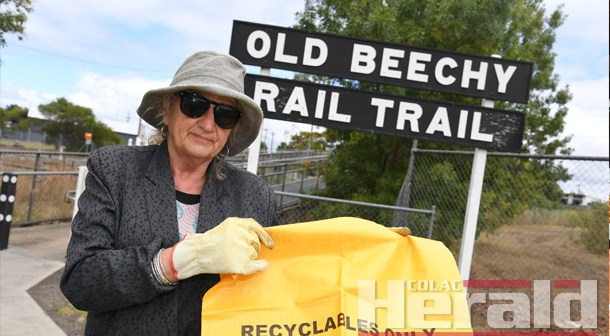 Community to clean up trail