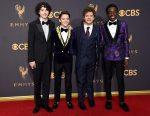 Las estrellas desfilan por la alfombra roja del Emmy