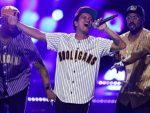 Bruno Mars amplía su apoyo a beca estudiantil del Grammy