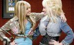 Miley Cyrus dice que Dolly Parton ha hecho que la música country sea sexual
