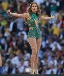 Jennifer López convierte su recital de NY en su fiesta de cumpleaños