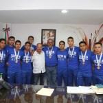 Walter Valenzuela felicita a jóvenes del CETIS 81, ganadores del campeonato nacional de futbol interprepas