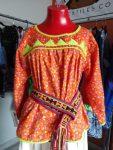 Artesanas rarámuri con modernas prendas y sus diseños promueven su cultura