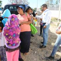 Alcalde con habitantes de Vizcaíno y comunidades aledañas