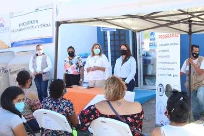 FOTO 5 ASISTIÓ ALCALDESA DE LORETO A ENTREGA DE PROGRAMAS DE INVIBCS