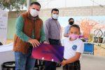 Gobierno de Los Cabos donó equipos de Banda de Guerra y tabletas digitales al estudiantado de CSL