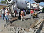Atiende Obras Públicas importantes baches sobre la calle José María Morelos y Pavón en CSL