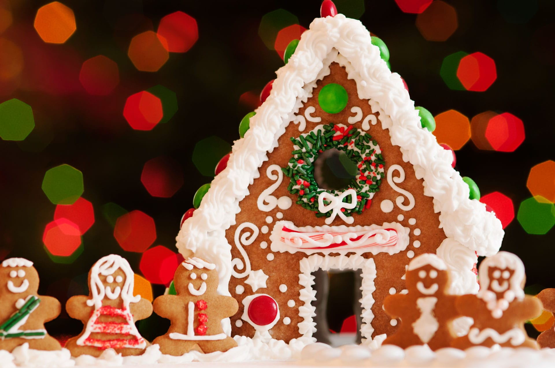 Holiday Houses Ideas To Make The Simple Gingerbread House So Much
