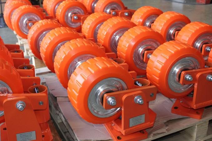 orange castors