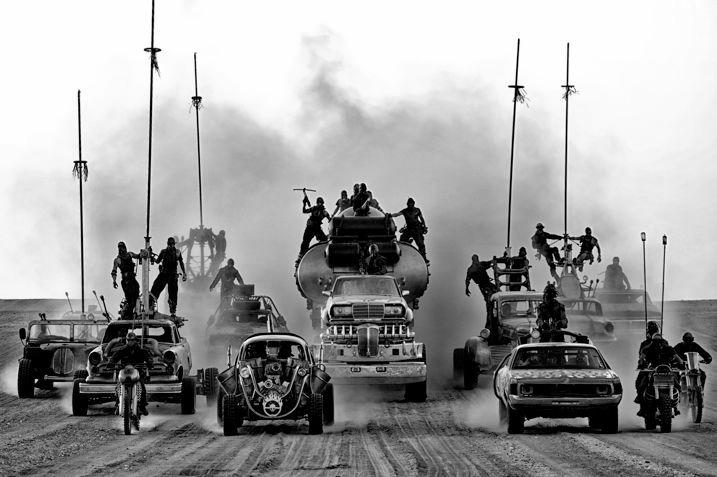 Liga de la Justicia Zack Snyder blanco y negro Mad Max Black & Chrome