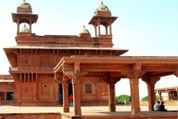 Fatehpur Sikri_Equal Caramelized Accusations