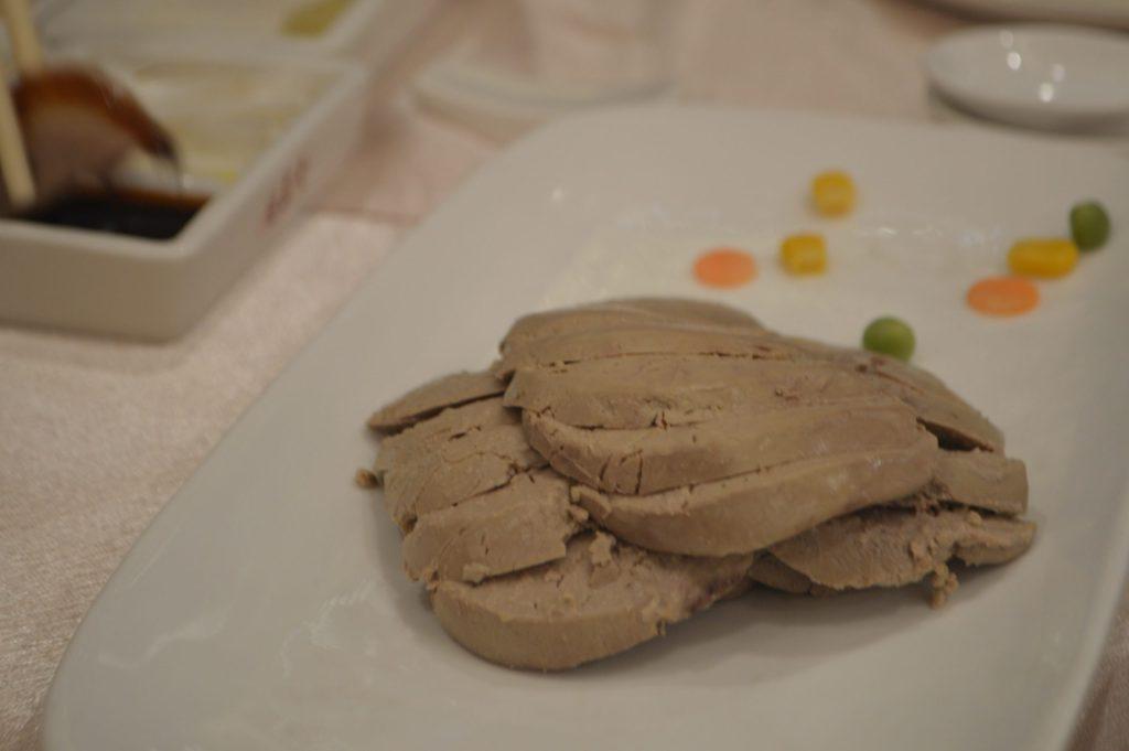 Hígado de pato hervido