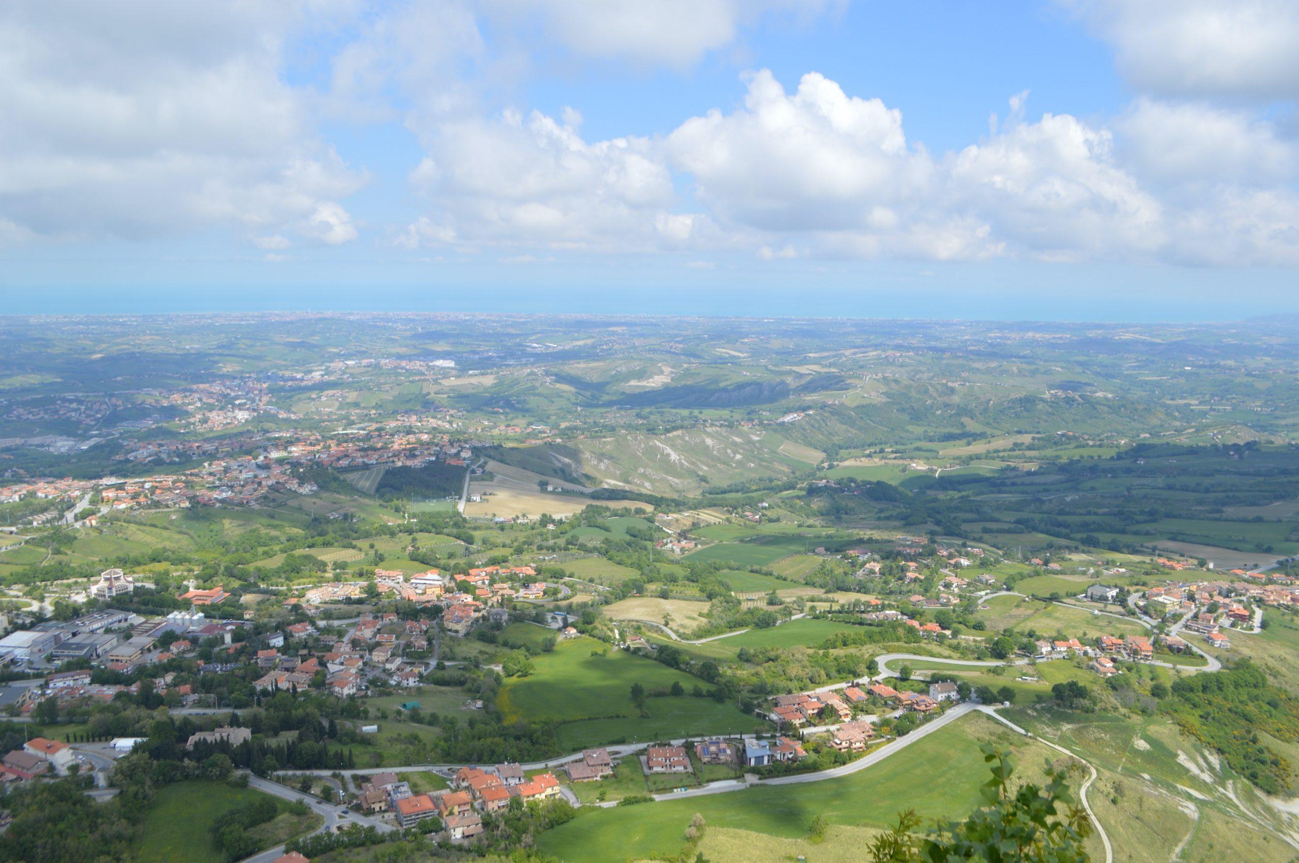 Vistas de San Marino desde Fratta